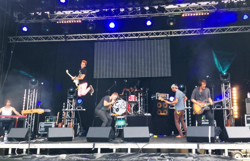 Undiscovered Soul bei ihrem Auftritt am Wake + Jam Festival 2014 in Murten