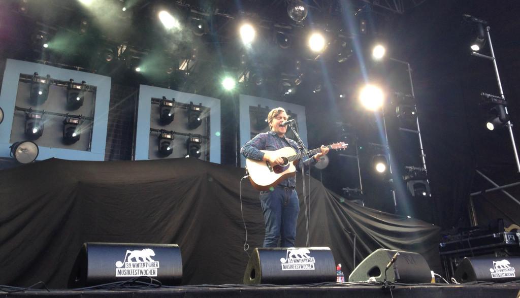 James Walsh, der Sänger von Starsailor, bei seinem Solo-Auftritt an den 39. Winterthurer Musikfestwochen