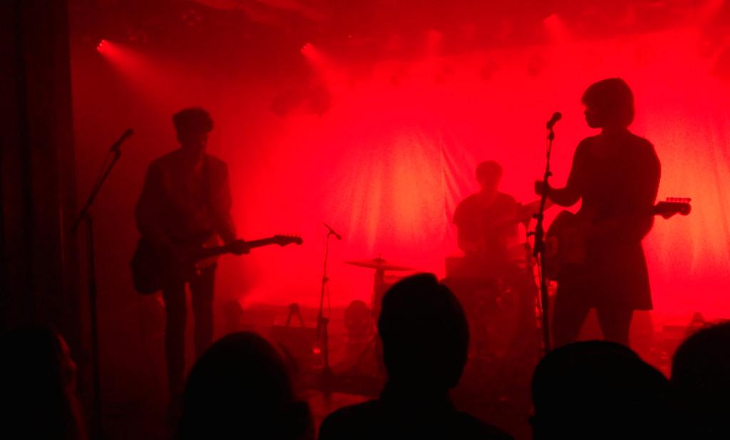 Tolle Lichtspiele beim Konzert von The Raveonettes in Winterthur