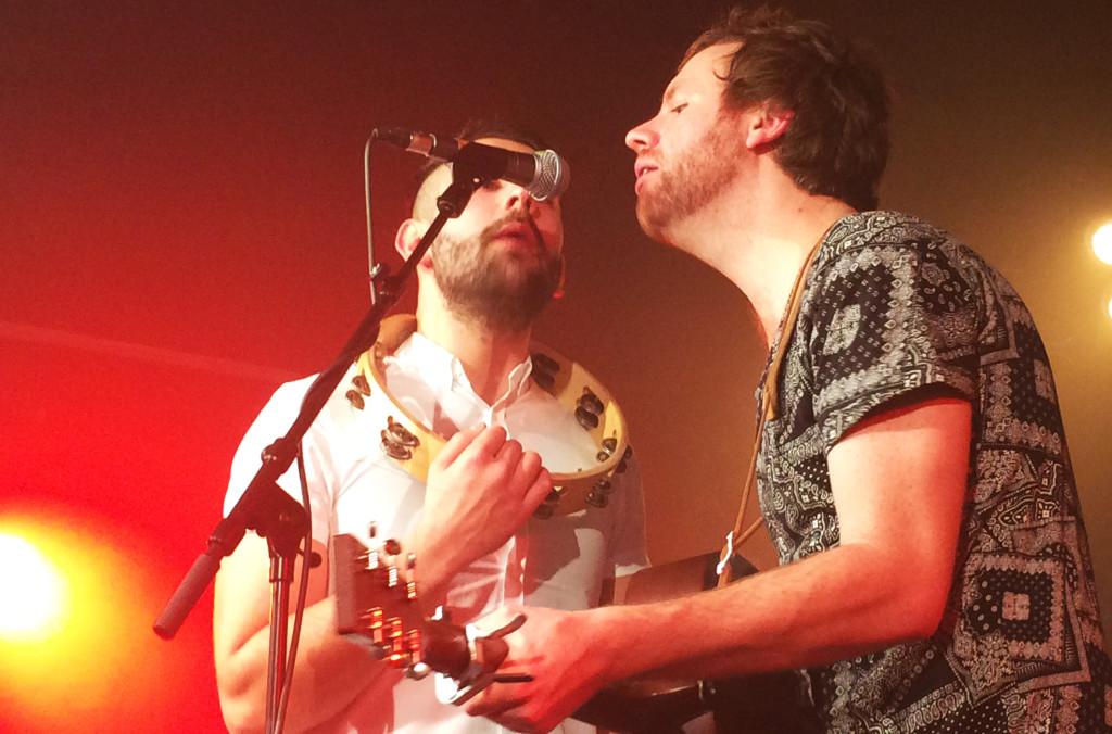Matty und Luke beim kleinen Akustik-Set