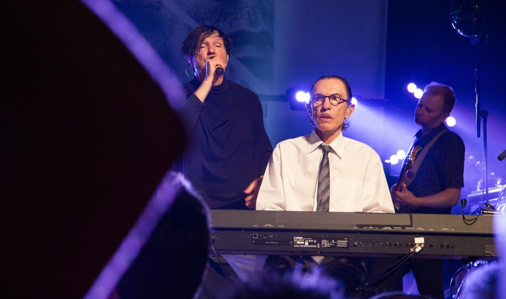 Die Mael-Brüder von Sparks harmonieren auch nach über 40 gemeinsamen Bühnenjahren noch ausgezeichnet.